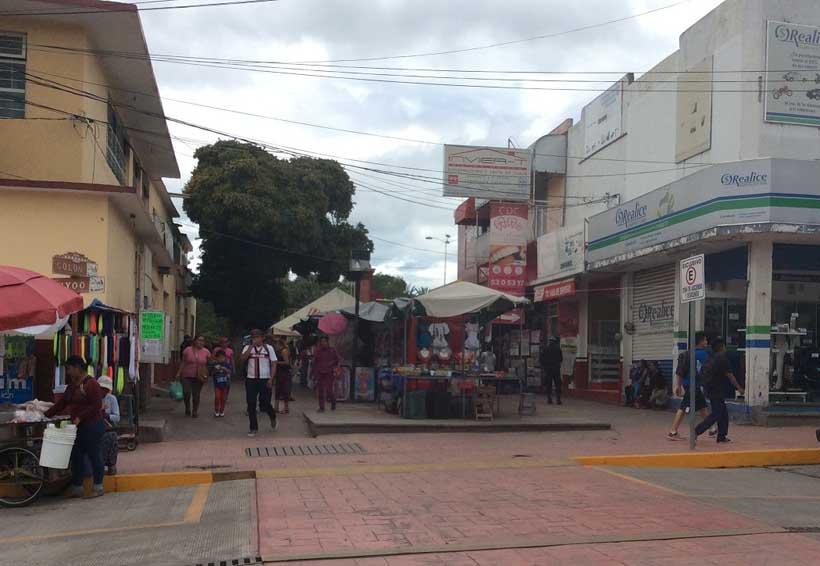 Comienza reubicación de comerciantes y artesanos en la Mixteca