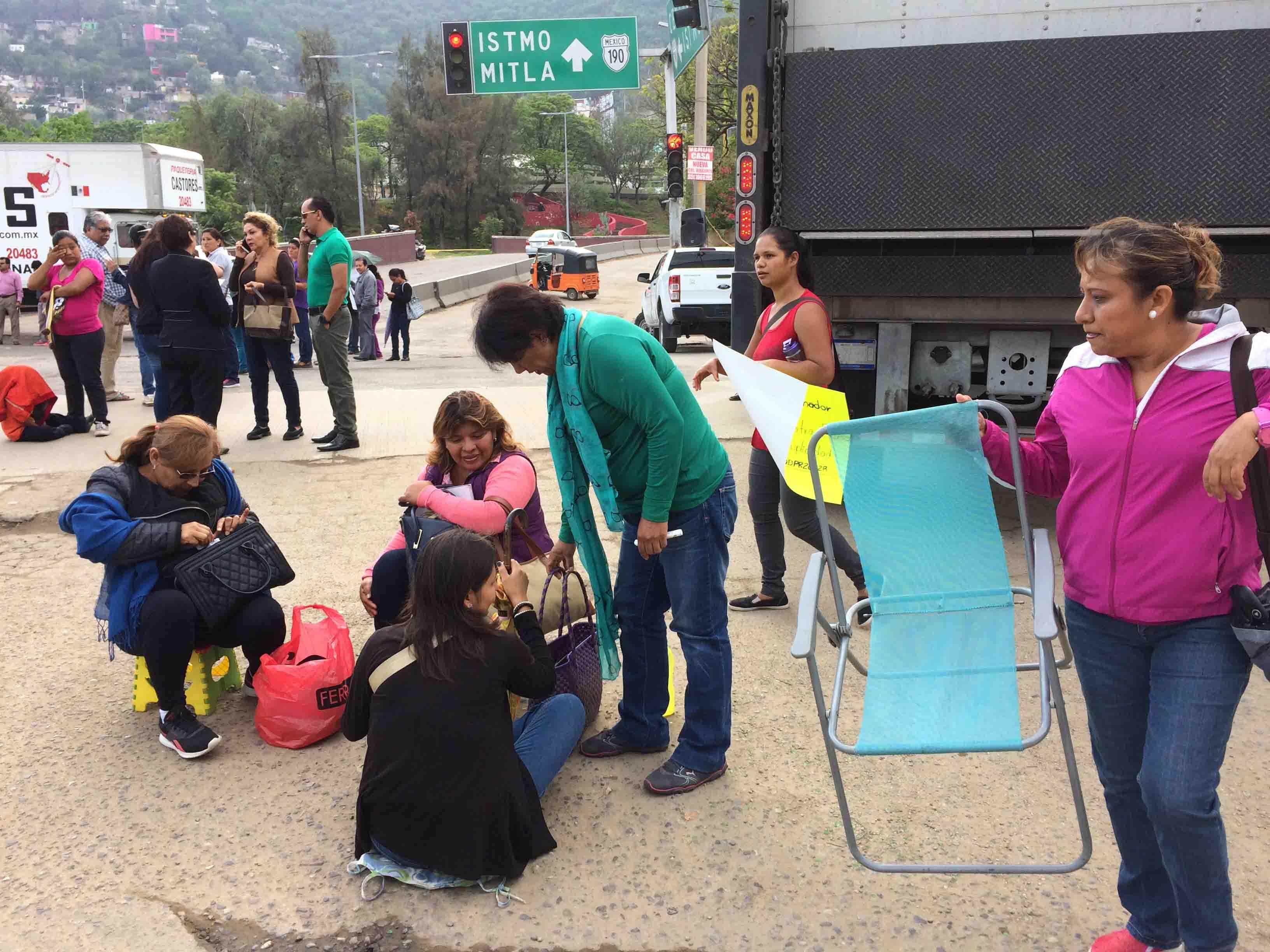 Conflicto en escuela genera caos en Oaxaca