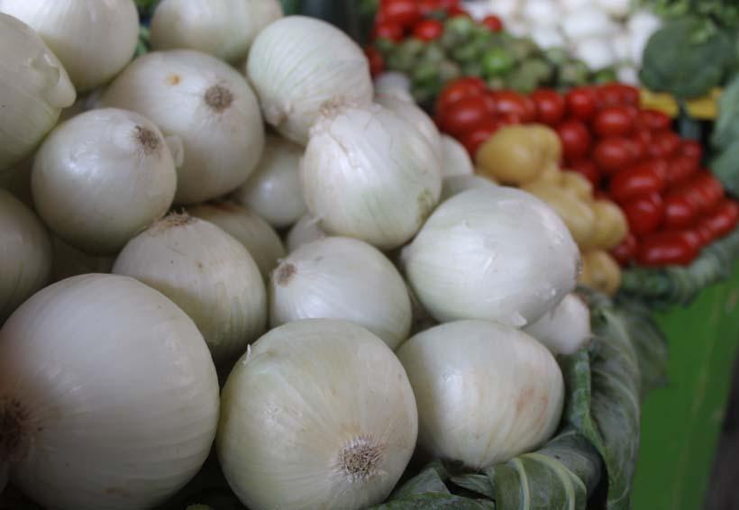 En Oaxaca suben precios del tomate, aguacate y pollo