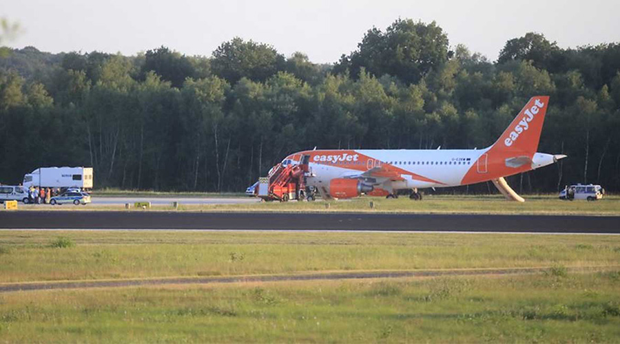 Avión aterriza de emergencia en Alemania por charla sobre terrorismo