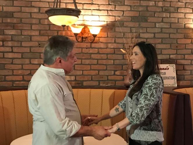 Padre e hija se reúnen por primera vez después de 40 años | El Imparcial de Oaxaca