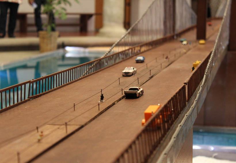 Recrean estudiantes el Puente de Brooklyn