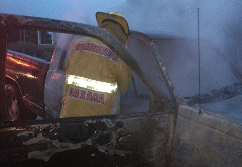 En el Istmo queman camioneta con boletas
