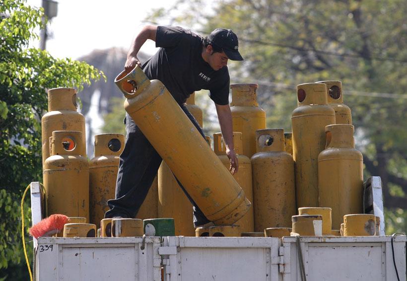 En la Mixteca, presentan tecnología para  reducir el consumo de gas LP