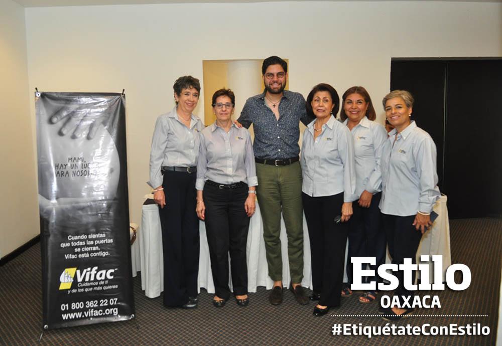 Integrantes de Vida y Familia de Oaxaca realizan evento a beneficio