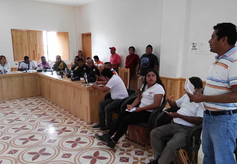 Consejo municipal de Pochutla evalúa los daños