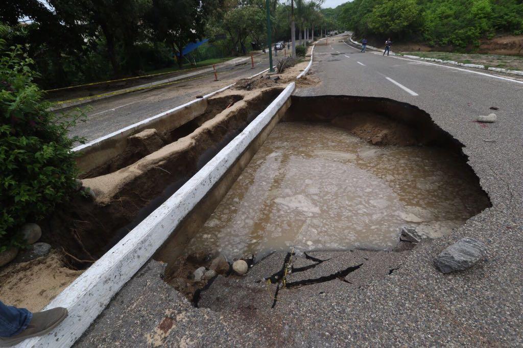 """Carreteras afectadas por Tormenta Tropical """"Calvin"""""""