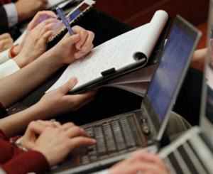 CNDH pide al Legislativo actualizar normas sobre espionaje e inteligencia