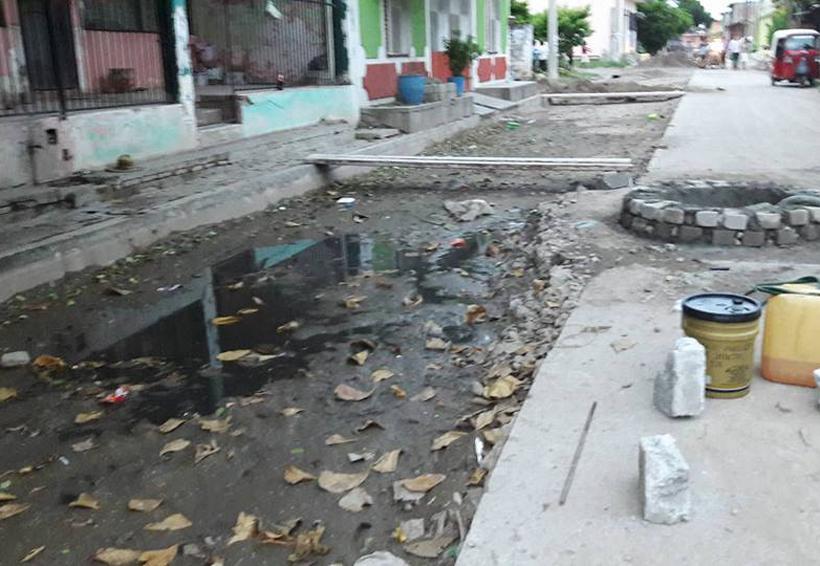Viven entre aguas negras en Cheguigo