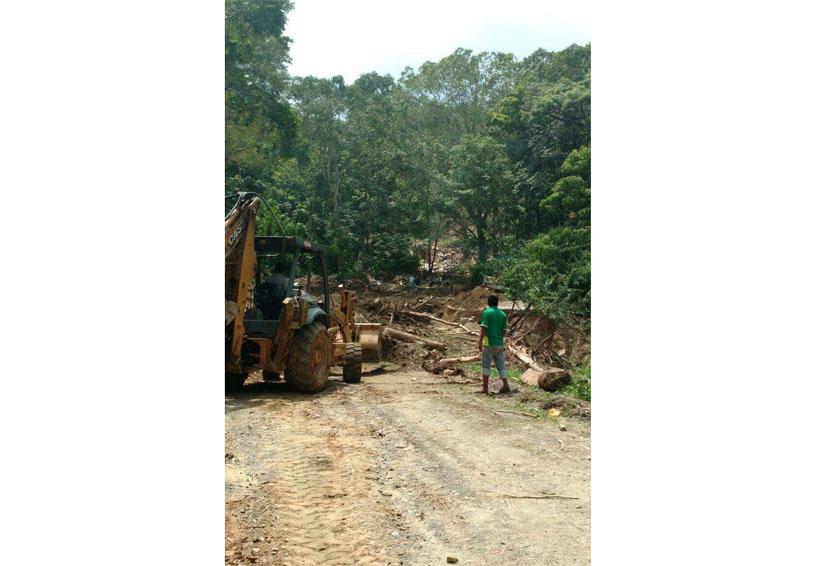 Dos comunidades continúan incomunicadas en la Costa
