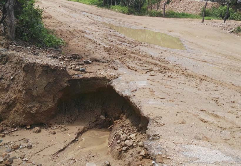 Piden rehabilitar carretera en la Costa
