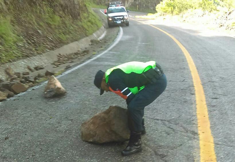 Alertan por derrumbes en la Mixteca
