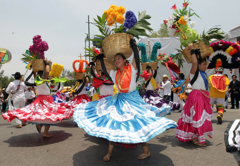 Guelaguetza: Dejar lo folclórico  y volver a lo  comunitario