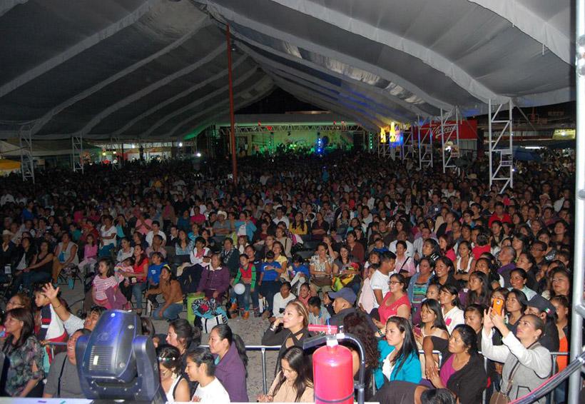 Exigen a exregidores sacar las manos de la Feria de Huajuapan