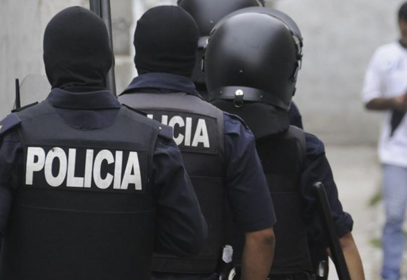 Policías ganan 31 pesos por hora en México