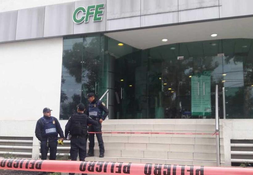 Asesinan a policía que evitó asalto en oficinas de CFE en Coyoacán