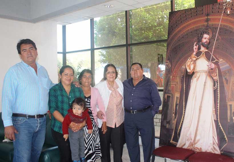 Festejan al patrono de  Santiago Huajolotitlán