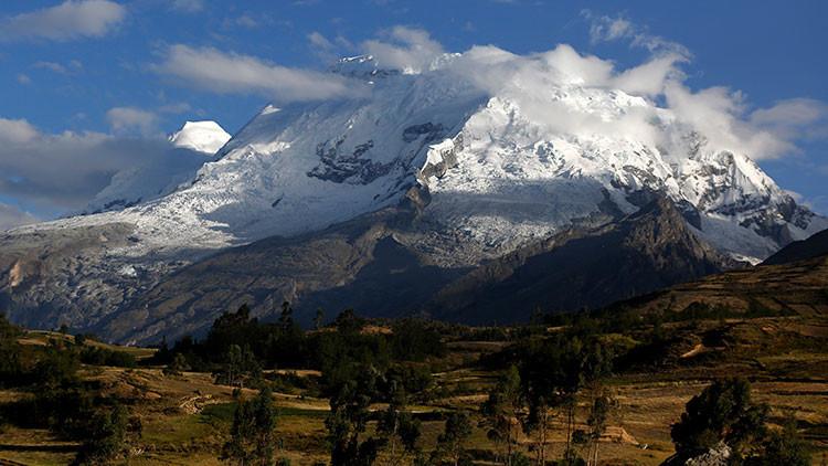 Rozov y el histórico salto al vacío desde la cima de Perú