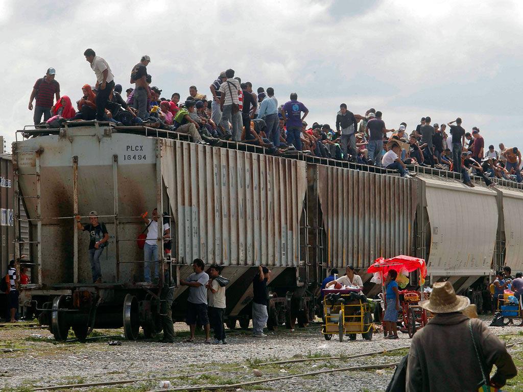 Se incrementa violencia que enfrentan migrantes en su paso por México