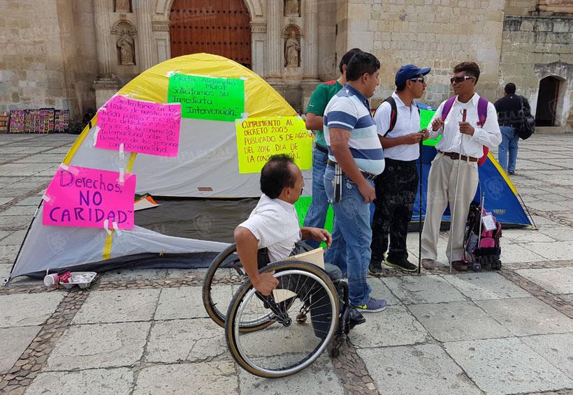 Atletas paralímpicos se instalan en plantón en Santo Domingo | El Imparcial de Oaxaca