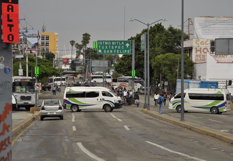 Frenan marcha de CNTE en Oaxaca