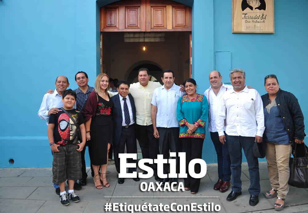 Inauguran restaurante de comida mixteca