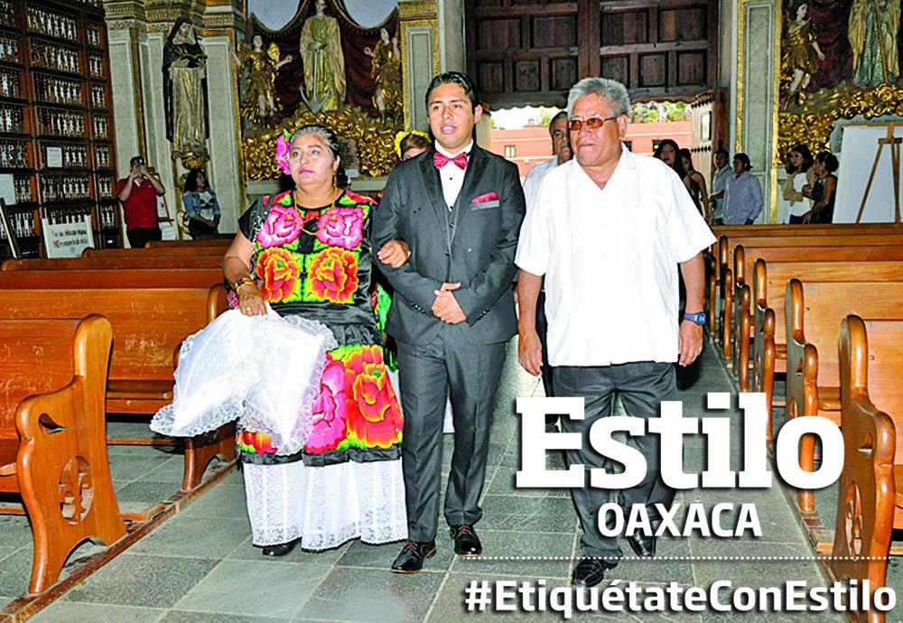 Enrique y Dulce bendicen su amor