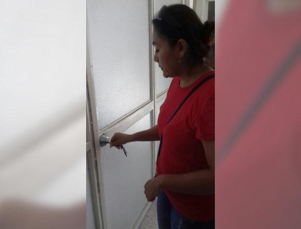 Impiden  acceso a  secretaria  del MT en Salina Cruz