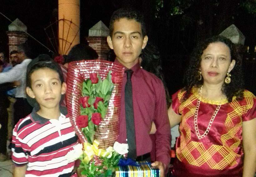 Enrique se gradua