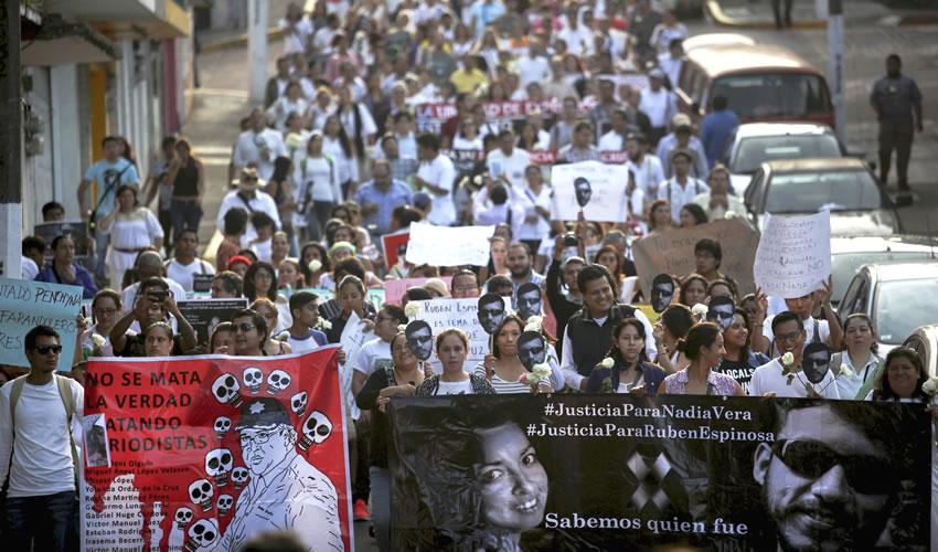 CNDH capacita a funcionarios sobre protección a periodistas y defensores