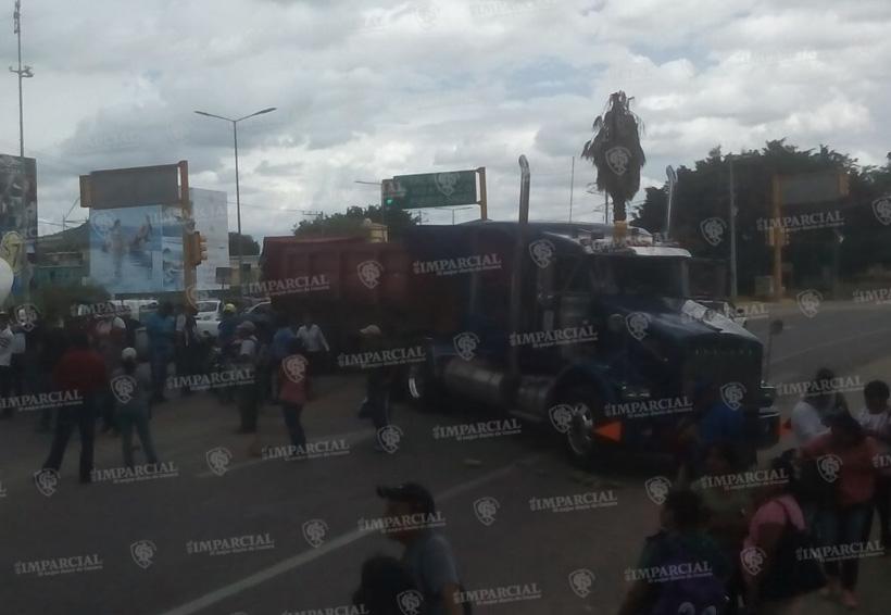 De nuevo, Sección 22 bloquea en Oaxaca | El Imparcial de Oaxaca