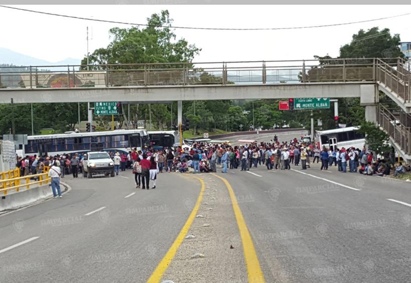Después de 10 horas de bloqueo, integrantes de S22 preparan marcha | El Imparcial de Oaxaca