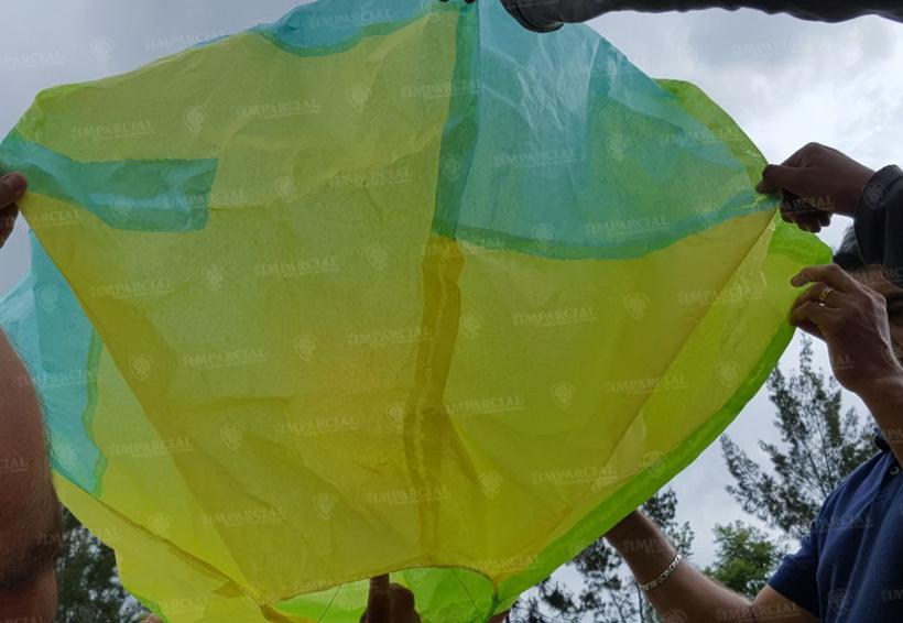 XI concurso de globos de papel de china en Matadamas, Etla