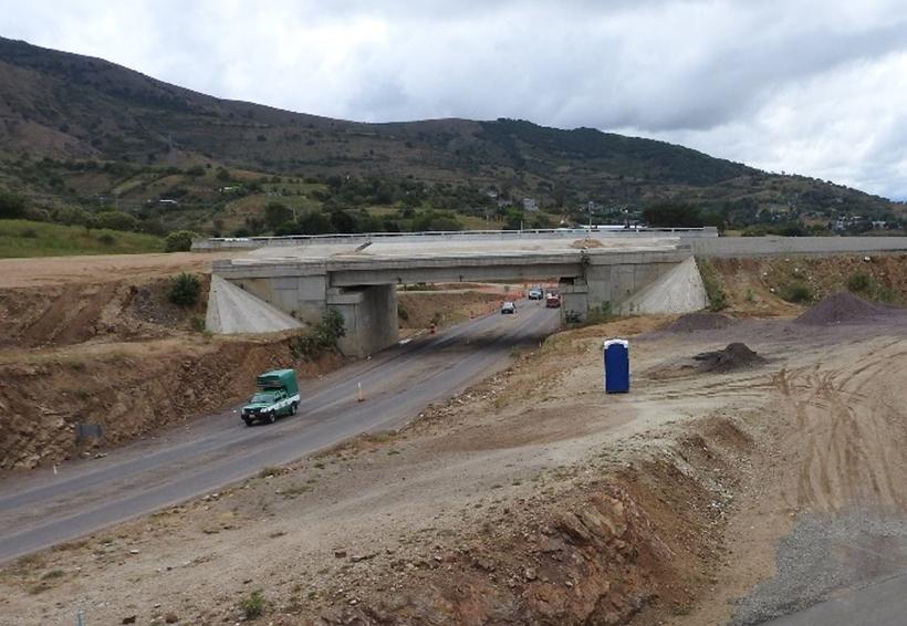 Aún no reinician autopistas   El Imparcial de Oaxaca