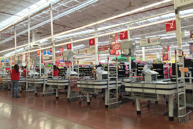 Confianza del consumidor cae por primera vez en cinco meses