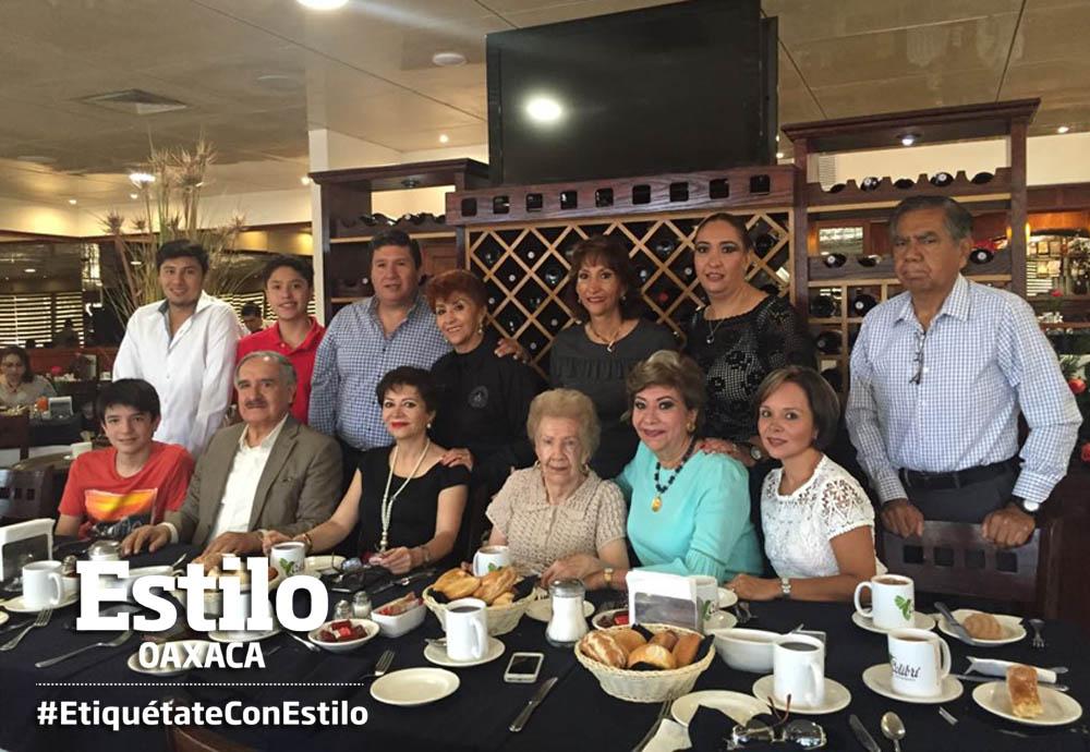 Doña Josefina celebra 95 años | El Imparcial de Oaxaca