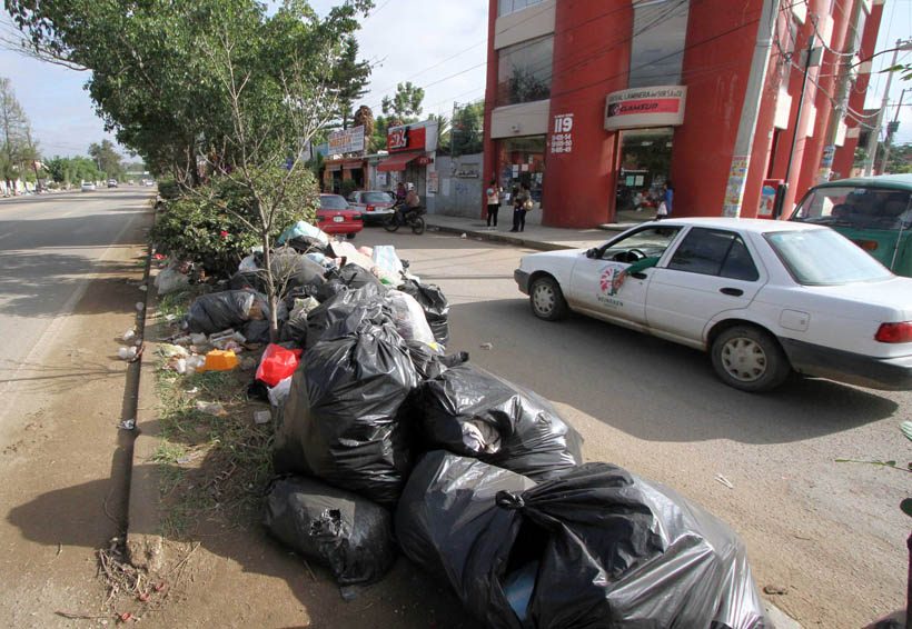Protestan en la Central por acumulación de basura en Oaxaca