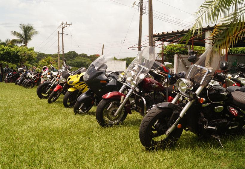 En Tuxtepec se reúnen motociclistas