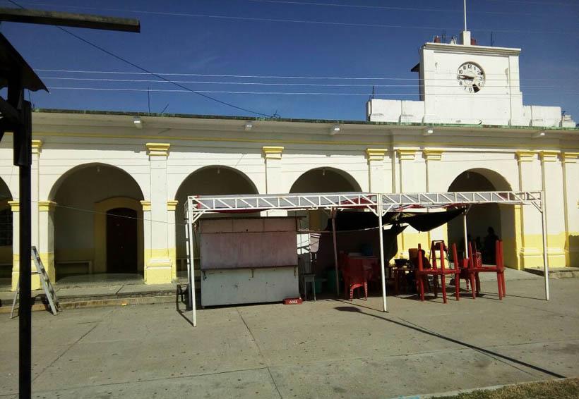 Policías de Santiago Niltepec exigen aumento salarial | El Imparcial de Oaxaca
