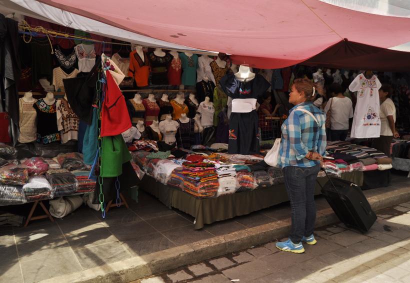 Ambulantes invaden el zócalo Oaxaca