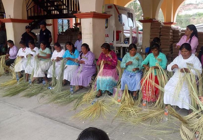 Realizan primer concurso de palma en la Mixteca