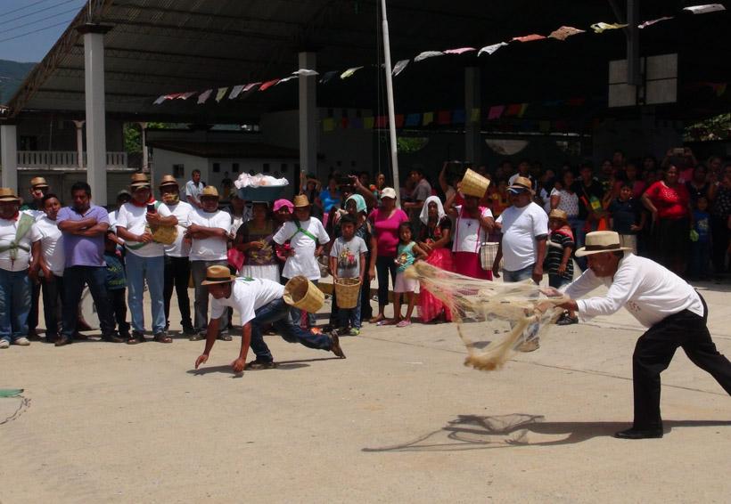 Alcalde de San Pedro Huamelula se casa con una lagarta