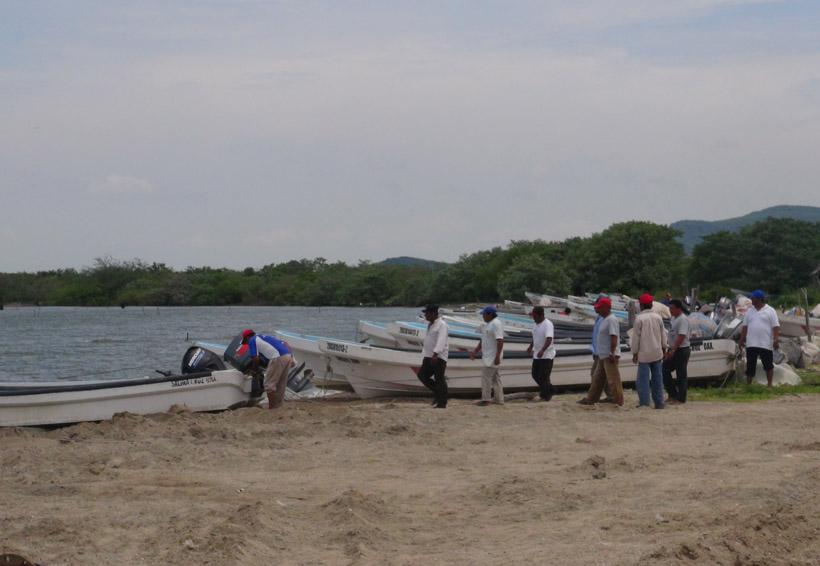 Pescadores de San Dionisio del Mar emplazan para iniciar obra