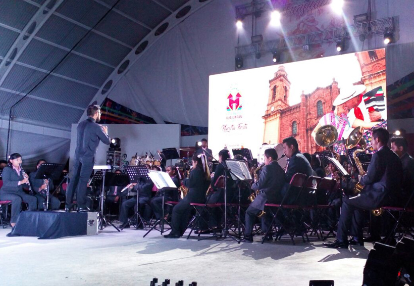 En Huajuapan se presentó la Banda Filarmónica José López Alavez