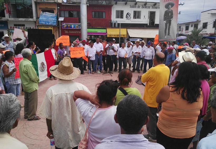 Comuneros de la Costa exigen beneficios  de programas asistenciales