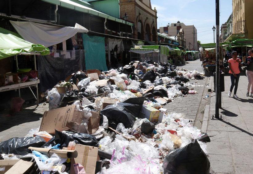Piden no tirar la basura en las calles de Oaxaca