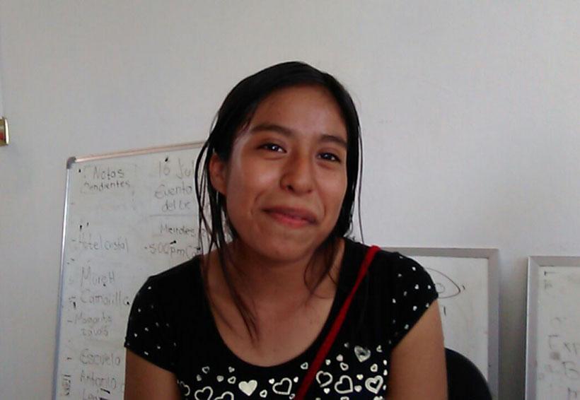 Reconocen talento de joven poeta mixteca