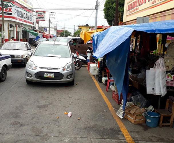 Ambulantes de la Cuenca acuerdan respetar los espacios públicos