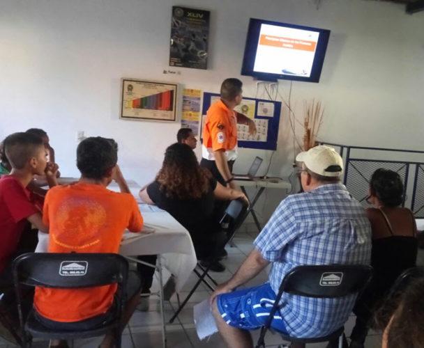 Imparten cursos de primeros auxilios en la Costa de Oaxaca