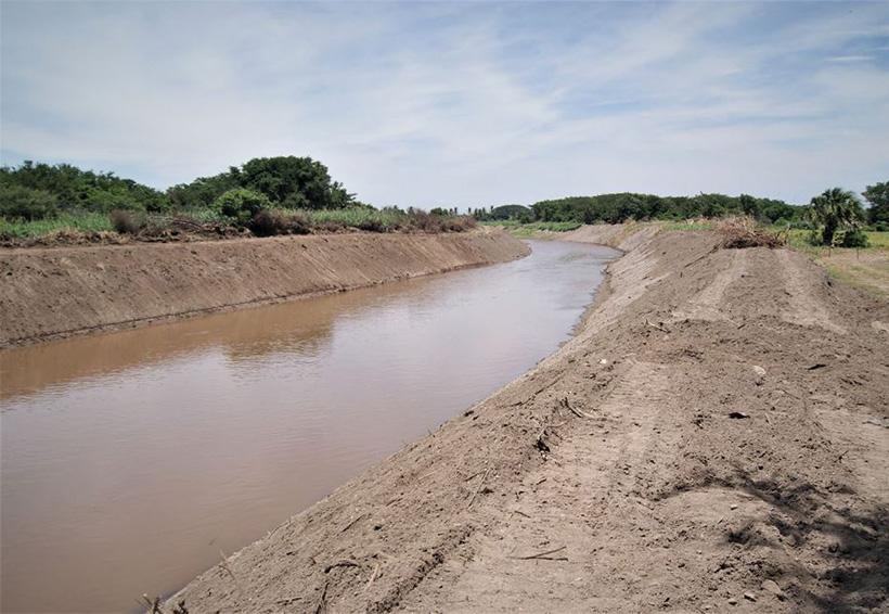 En el Istmo desazolvan río Los Perros con recursos del Fonden